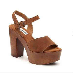 Steve Madden Clique platform sandal, size 5 new!